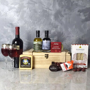 Deluxe Wine & Cheese Snack Crate New Hampshire