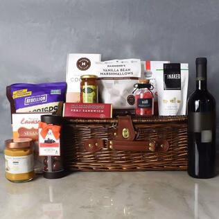 Kosher Wine & Treats Basket New Hampshire